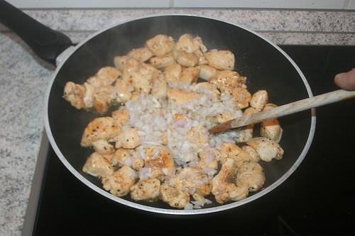 28 - Zwiebeln mit andünsten / Braise onions