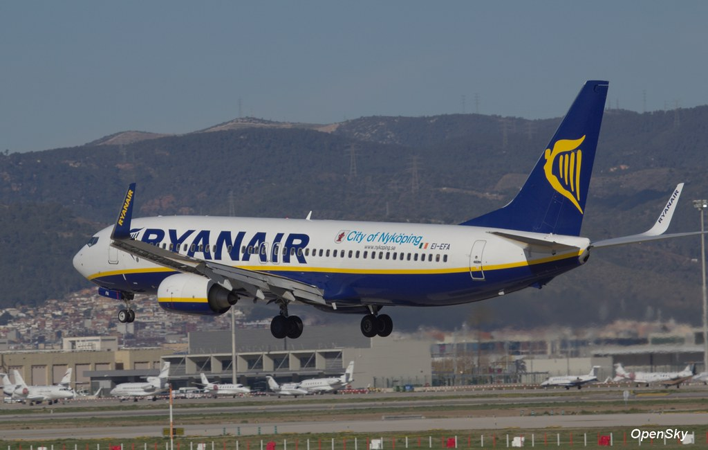 Ryanair Boeing 737-8AS(WL) EI-EFA (cn 35005)