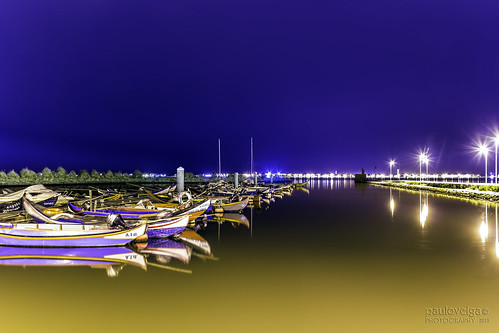 longexposure reflections river landscape boats boat barco lagoon reflejo lamps reflexos ria nightlamp riverscape reflectionsonwater riadeaveiro bestida shotatnight lens18200mm caisdabestida