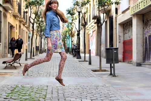 Tessa levitating_6265
