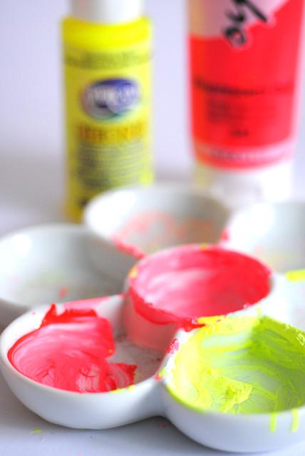 Mixing neon paints