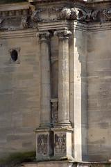 Colonne ionique de la tour Sud