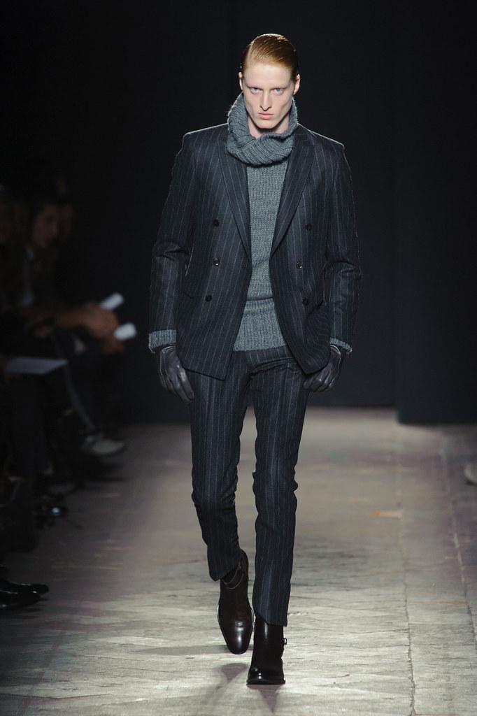 FW13 Milan Daks012_Thijs Meulenbelt(fashionising.com)