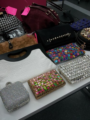 Clutches Minling Pan Spring 2013 - Toronto Beauty Reviews
