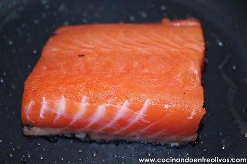 Tataki de salmon en nido de nabo daikon (9)