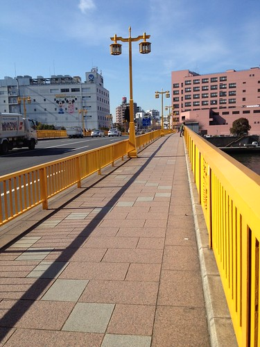 蔵前橋を渡る by haruhiko_iyota