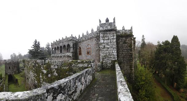 Paseo por los jardines del castillo de soutomaior vivir for Jardines galicia
