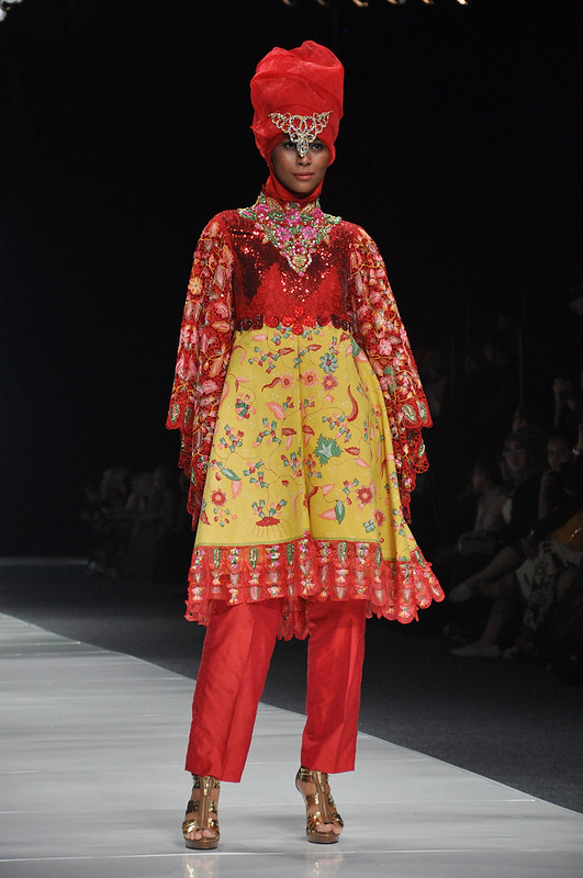 indonesian women love to wear and mix and match clothes