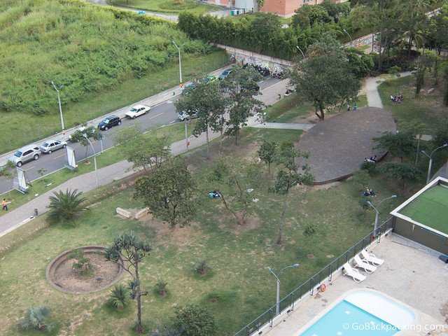 A section of Parque Lineal Ciudad del Rio viewed from an apartment above