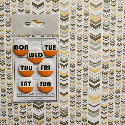 Badges / Adhesive buttons Days of the week set 5