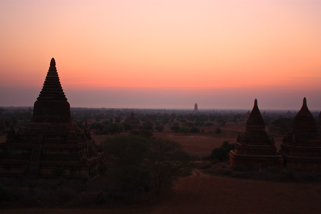 Waiting for the sun to rise on top of Buledi temple.