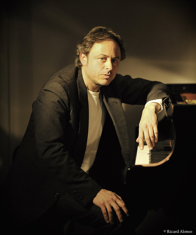 Vivir en bacelona mini sala de conciertos de m sica for Casa piscitelli musica clasica