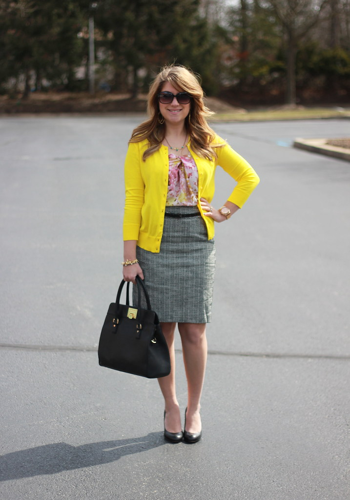 Tweed Pencil Skirt Outfit Idea
