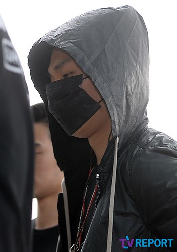 BIGBANG Incheon Airport to Shanghai Press 2015-06-19 054