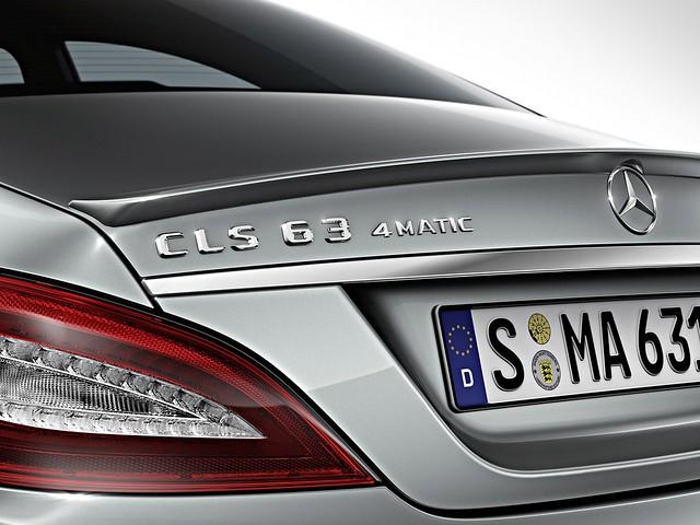 Mercedes-Benz CLS 63 AMG 4MATIC & Modelo S