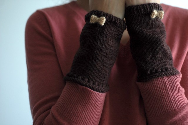 bow armwarmers