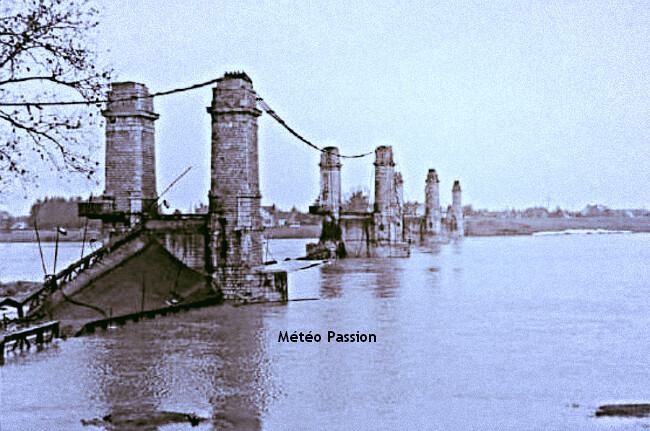 rupture des cables par le gel et destruction du pont de Sully-sur-Loire au matin du 16 janvier 1985 météopassion
