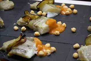 Bacalao confitado al aroma de las Pedroñeras con berenjena en dos texturas y salsa Vizcaína