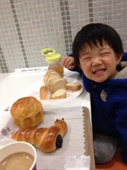 イートインでパン食べる 2013/1/19