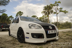 automobile, automotive exterior, wheel, volkswagen, vehicle, automotive design, rim, volkswagen r32, volkswagen gli, volkswagen gti, volkswagen golf mk5, compact car, bumper, land vehicle, volkswagen golf,