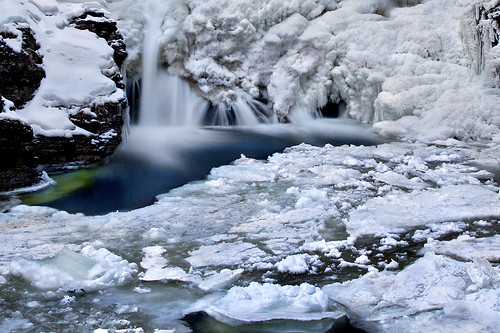 ice icicles formations blue pool waterfall winter nature landscape cold frozen longexposure evening raymondskill falls pennsylvania water