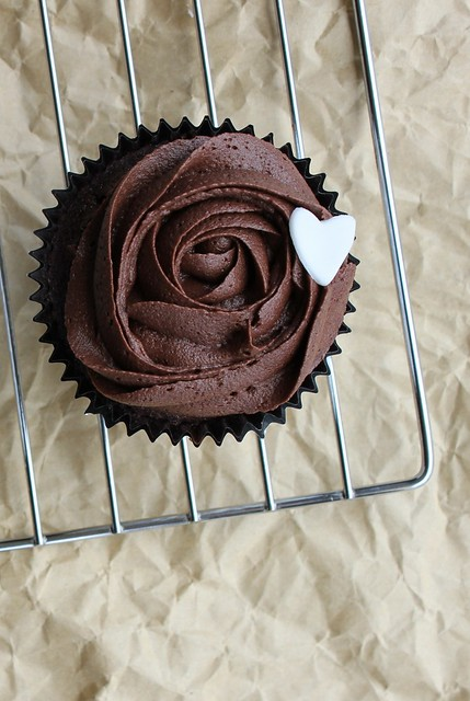 Rose Swirl Chocolate Cupcakes