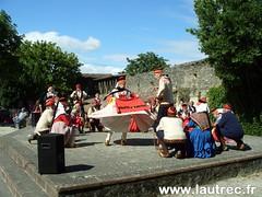 Danse au théâtre de la Caussade pour la fête des sabots et anciens métiers à Lautrec - Photo of Brousse