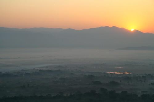 travel sunrise burma myanmar mandalay mandalayhill