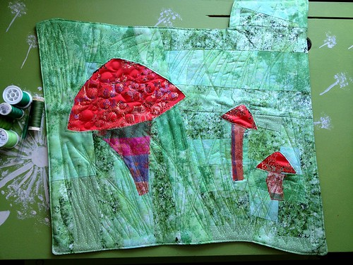 """Mushrooms Having Fungi"" - Project Quilting (S4, challenge 3)"