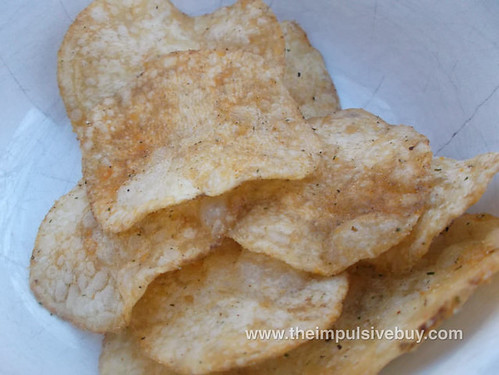 Lay's Do Us a Flavor Chicken & Waffles Potato Chips Closeup1