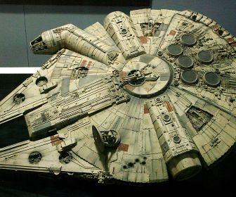 star_wars_movies_spaceships_millenium_falcon_desktop_2145x1431_wallpaper-259383