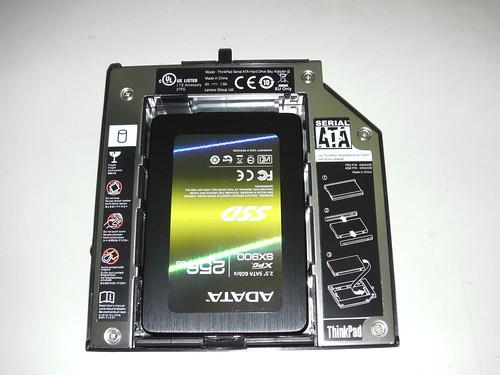 02_安裝SSD至第二碟盒