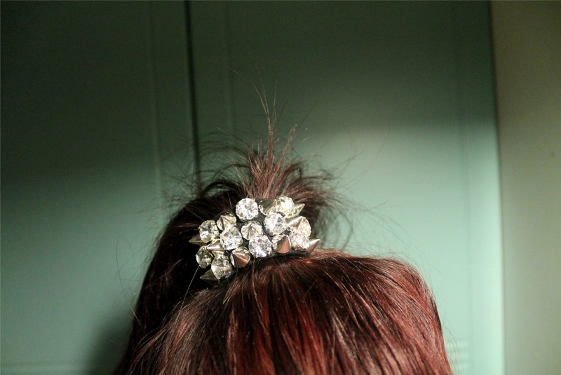 HAIR THINGY