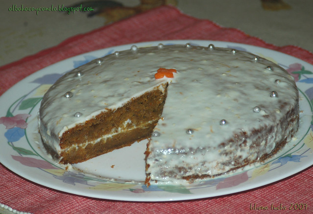 carrot frosting cake
