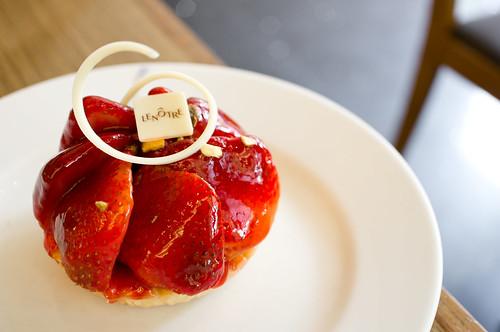 Strawberry Tart ทาร์ตสตรอเบอรี่ : Lenotre Paris