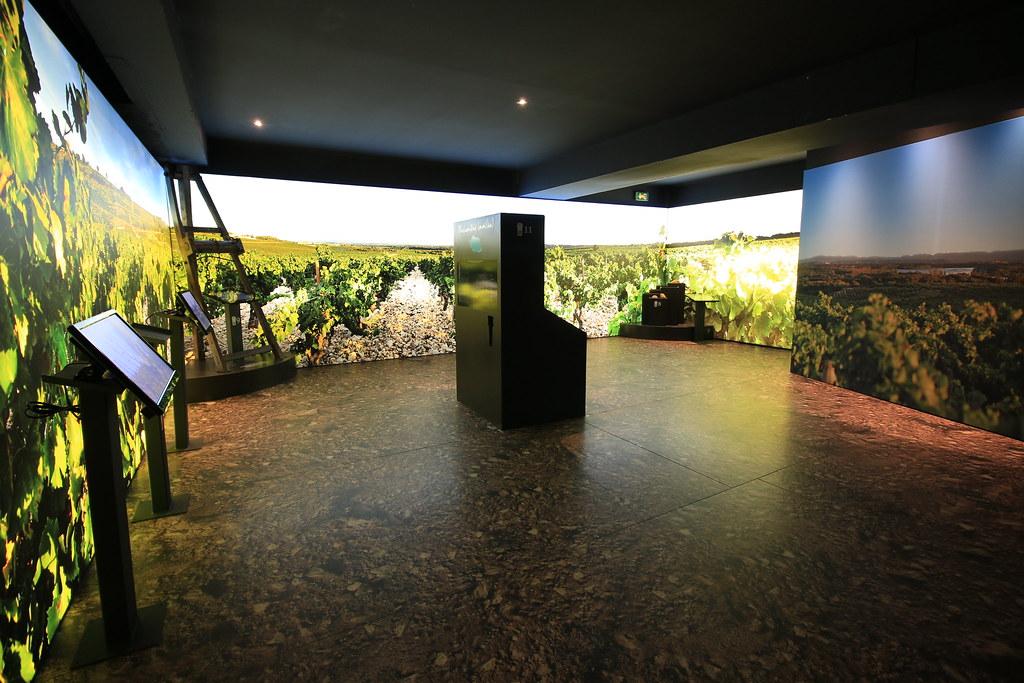 provence village chateauneuf du pape wine museum 7