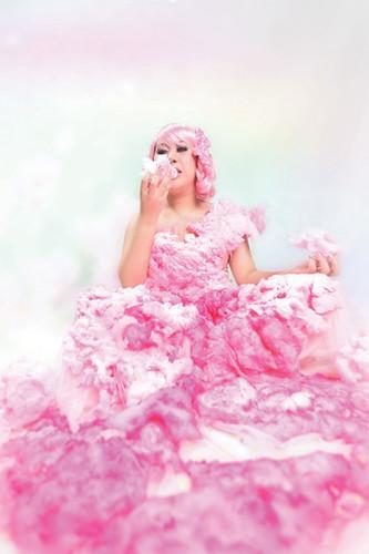 Clayrene-Chan,-Eating-My-Dream-02