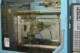 Das Innere einer Spritzgussmaschine