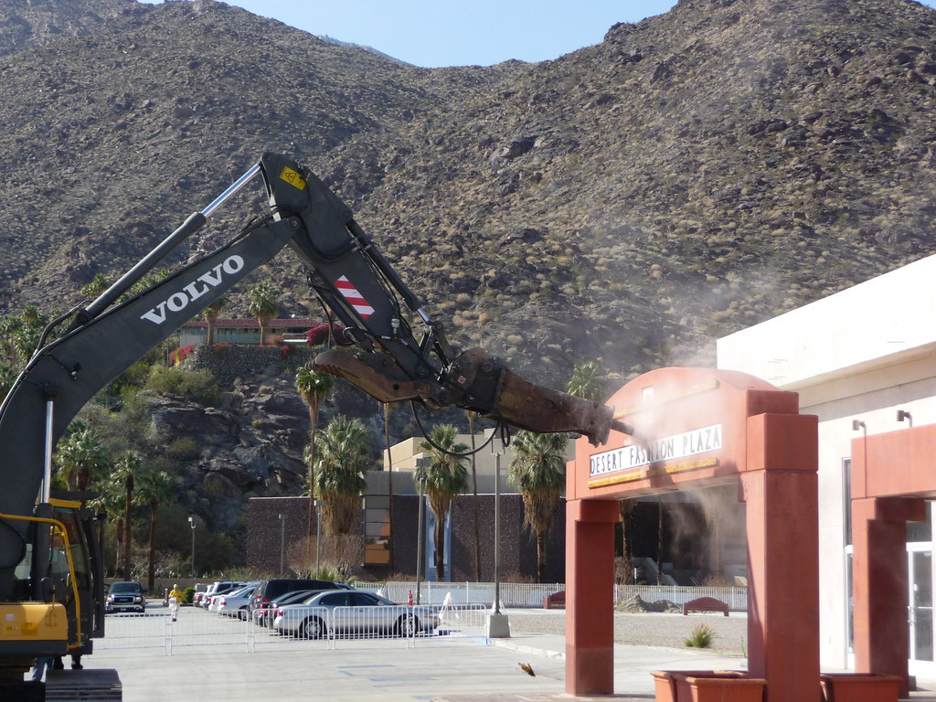 Desert Fashion Plaza Mall Wessman Demolition Begins Demolition