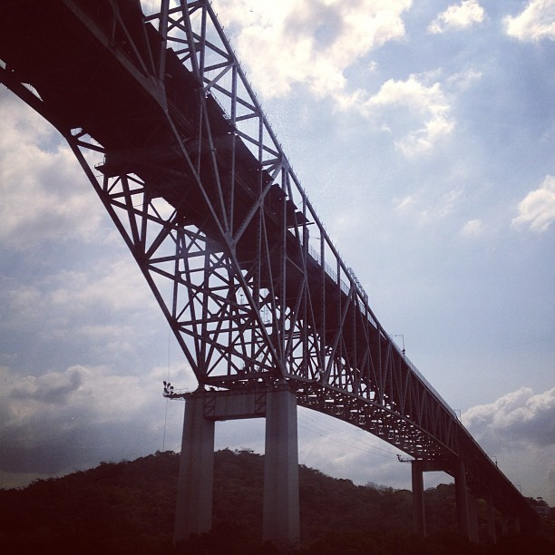 Under the bridge, arriving to the Pacific Ocean. #panama #canal