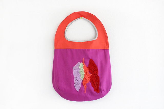 tote round bag.
