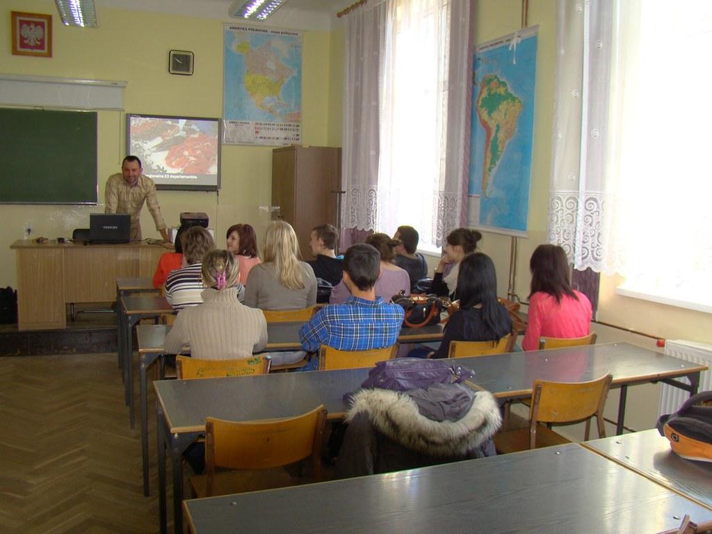 Uczniowie w trakcie dwudziestogodzinnego kursu z przygotowania kulturalno-pedagogicznego.