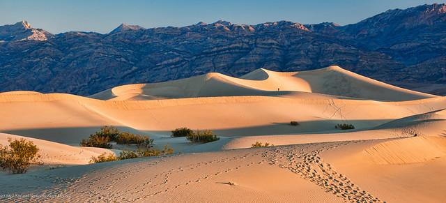 Sunrise-at-Mesquite-Sand-Dunes