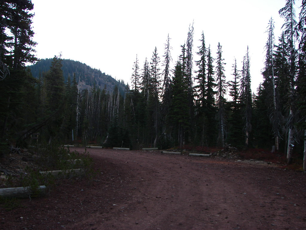 Big parking lot at the Pacific Crest Trail
