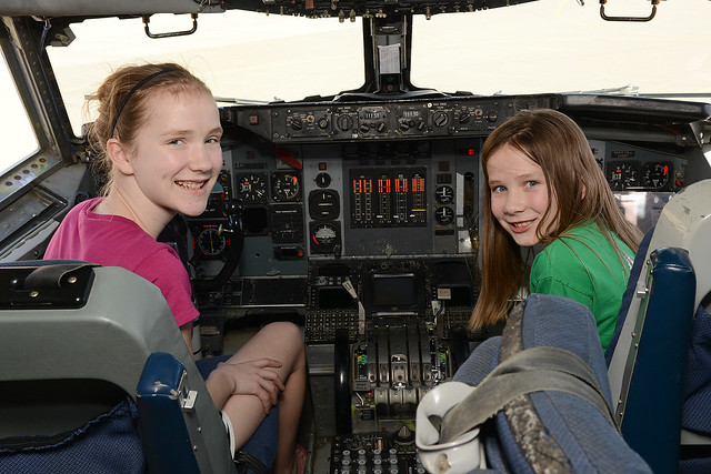 Sarah & Rachel in the E3 AWACS