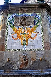 Font cantonada Porta de l'Angel, Barcelona.
