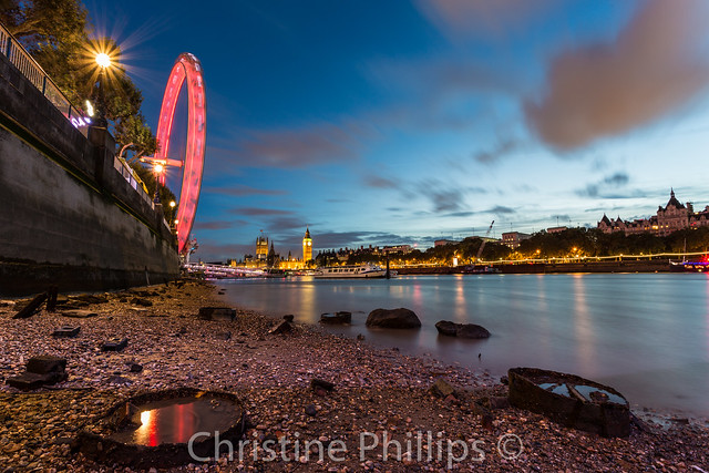 Super low tide in London, Houses of Parliament and the Eye - 31.8.2016 (evening of bday)