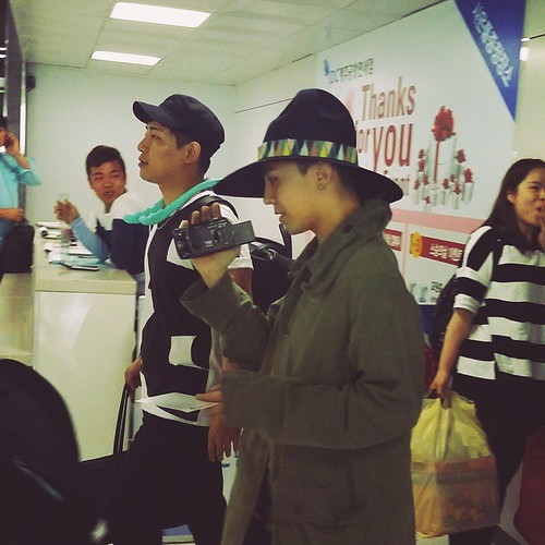 Big Bang - Jeju Airport - 20may2015 - G-Dragon - charm.hana - 01