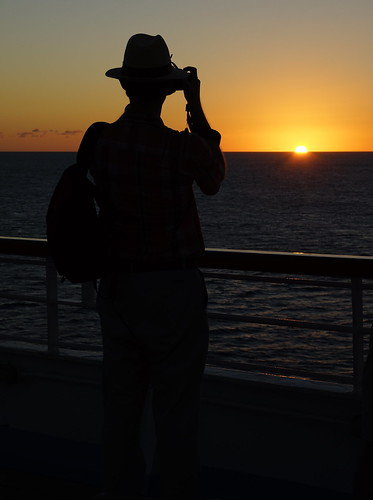 camera cruise people sun holiday man black colour hat silhouette yellow set del golden evening ship sony caribbean monte alpha a77 carrabean