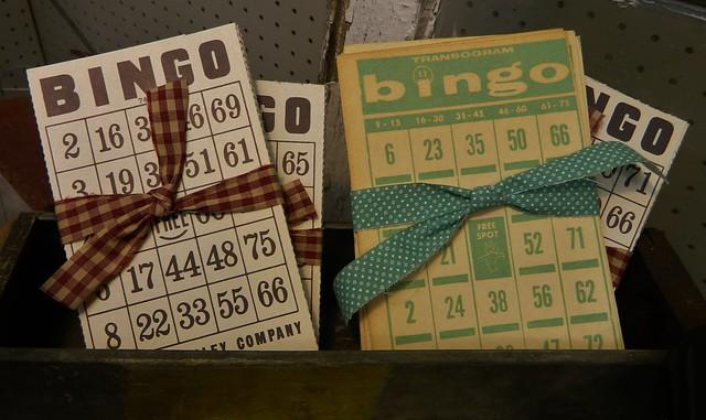 vintage bingo cards via homeologymodernvintage.com